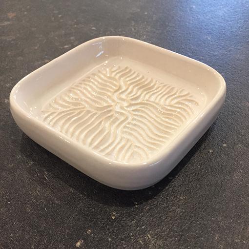 Beispielbild1_Ceramico_Keramikreibe_Haushalt_weiss